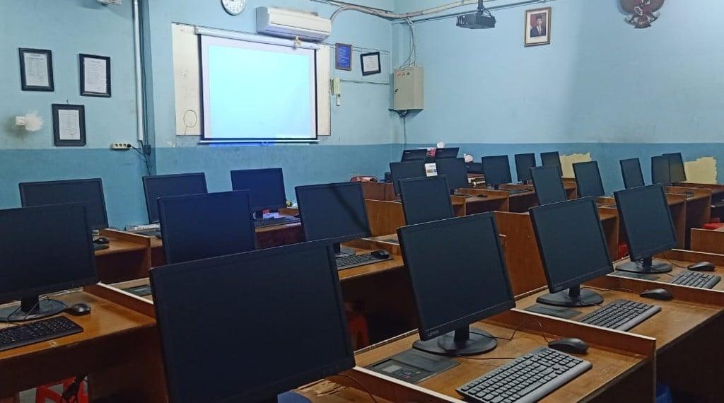 Lab Komputer Baru TK SD Damai